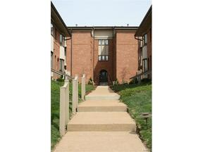 Condo/Townhouse Sold: 440 S Clay Ave  #306