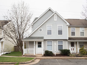Sterling Townhouse Sold: 22360 Stablehouse Drive