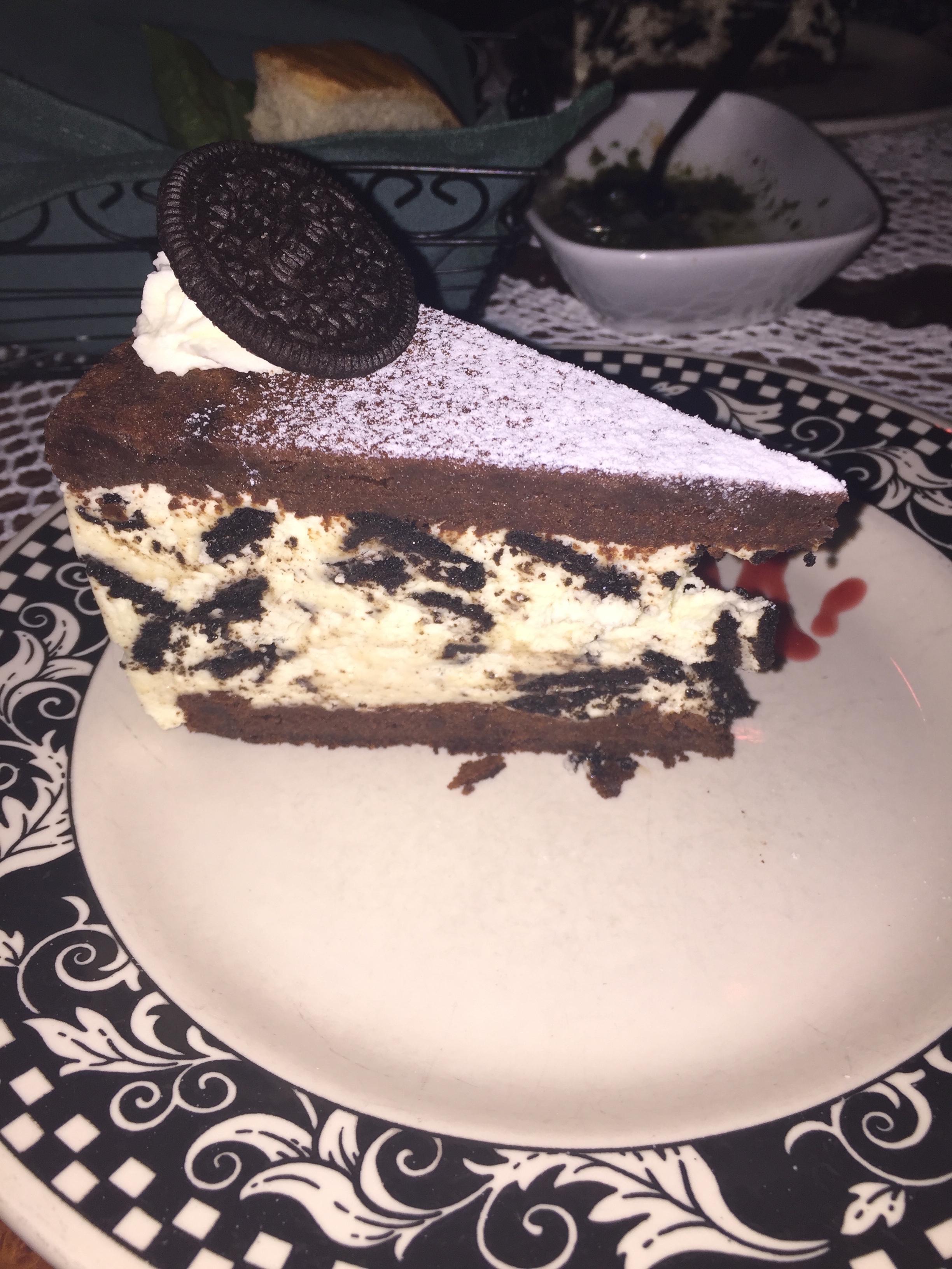 Cookies 'N Cream Mousse Cake