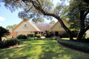 Single Family Home Sold: 130 Country Club Road