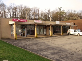 Monroeville PA Commercial For Lease: $1,300 Per Month