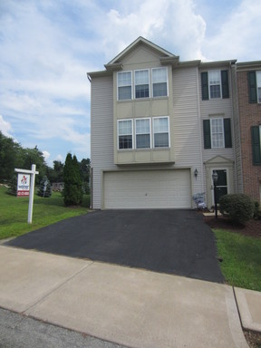 Monroeville PA Townhouse Leased: $1,595 per month