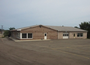 Commercial For Lease: 3900 Monroeville Blvd.