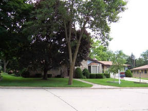 Residential Closed: 2634 S. Seymour Place