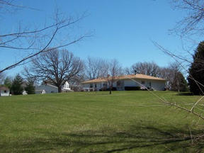 Residential Closed: W307S8541 Woodland Drive