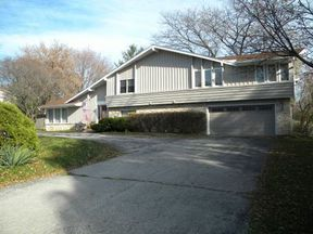 Residential Closed: 700 Forest Grove Ct