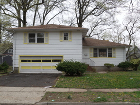 Single Family Home sold: 921 Harrison Ave