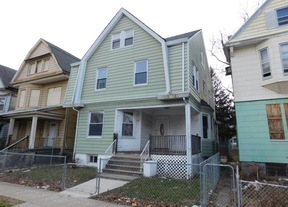 Single Family Home Sold: 83 N 19th St