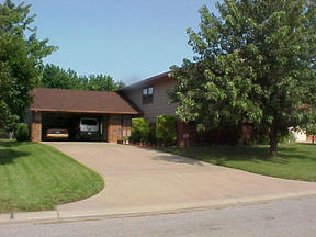 Residential Closed: 11934 W. Rolling Hills Court