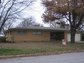 Lease/Rentals Closed: 8101 W Murdock