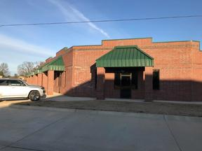 Commercial For Lease: Cascades Blvd