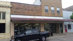 Commercial For Rent: 106 N State
