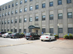 Residential Closed: 42 S Cherry St #111