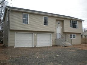 Residential Closed: 23 Town Farm Rd