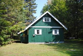 Single Family Home Sale Pending: 9 Pond Loop Road