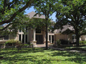 Residential Closed: 6811 Fallbrook Court