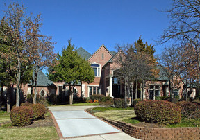 Residential Closed: 913 Suffolk Court