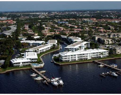 Waterfront views abound in Martin County.  Let Monarch Realty Group help you find your dream home.