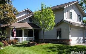 Single Family Home Sold: 139 Stonington Way