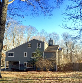 Weston CT Single Family Home Sold: $890,000