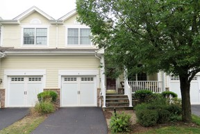 Condo/Townhouse Sold: 4 Bethpage Court