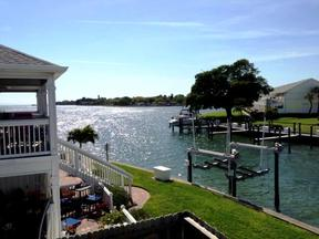 Rental Seasonal Furnished : 5245 Coquina Key Drive SE  #C