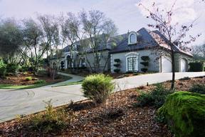 Residential Closed: 8915 N SEVILLE CR