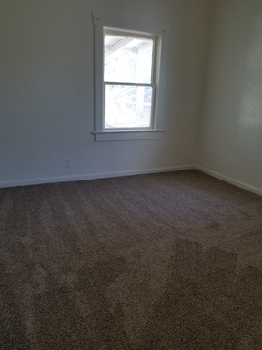 Apartment  For Rent: 709 S. 4th
