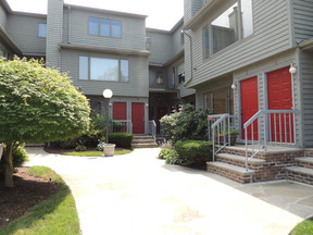 Little Ferry NJ Condo/Townhouse For Sale: $245,000