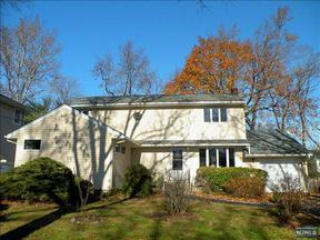Residential Closed: 239 Concord Dr
