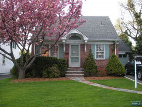 Residential Closed: 173 Harding Pl