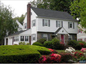 Residential Closed: 401 Golf Ave