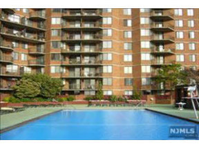 Residential Closed: 318 Harmon Cove Tower