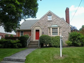 Residential Closed: 6 Golf Ave