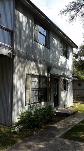 Duplex For Rent: 530 Division St #A