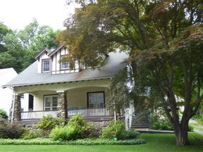 Single Family Home Sold: 27 Ferncliff Road