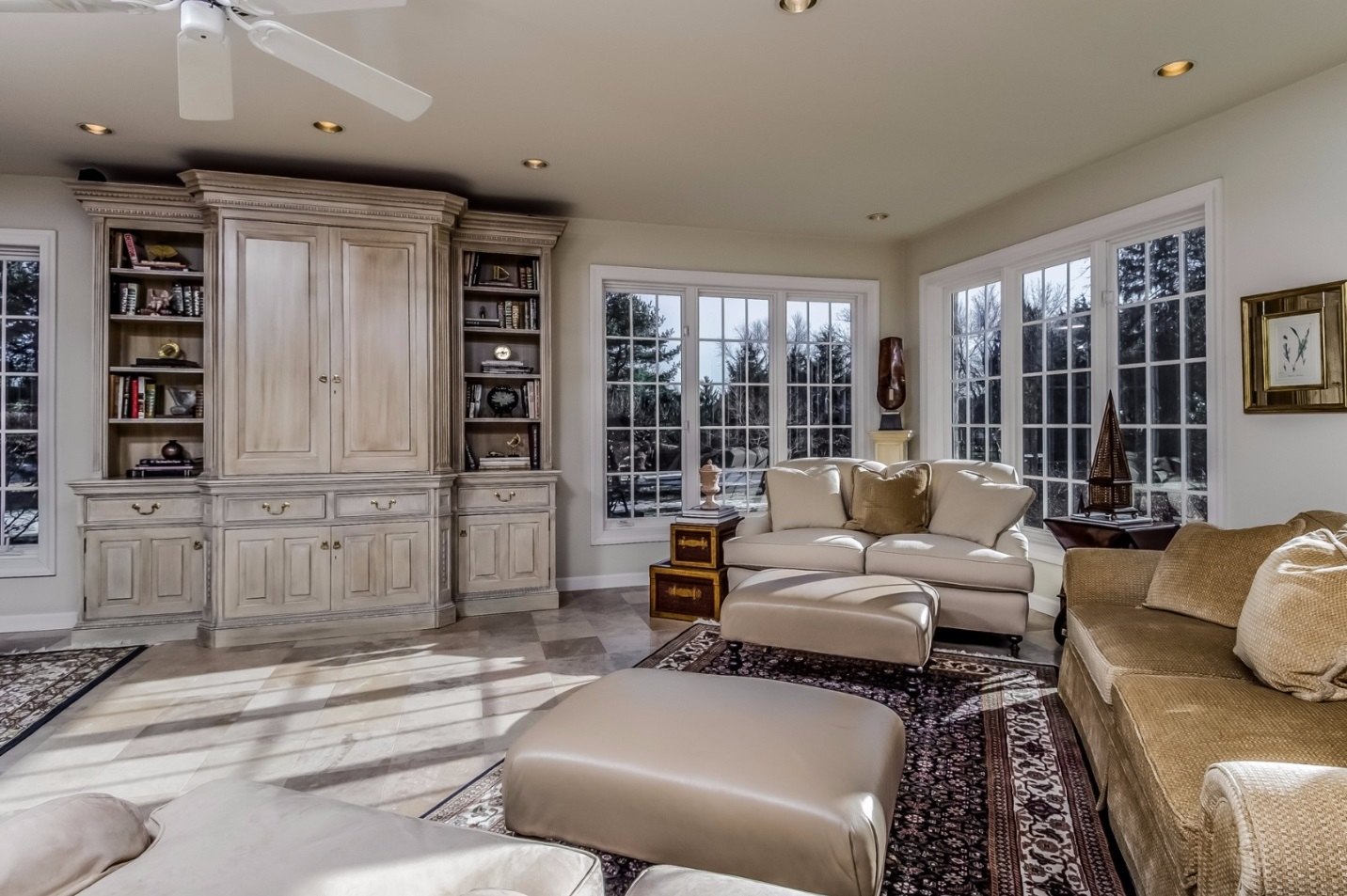 Elegant Solebury PA Living Room Steve Walny REALTOR®
