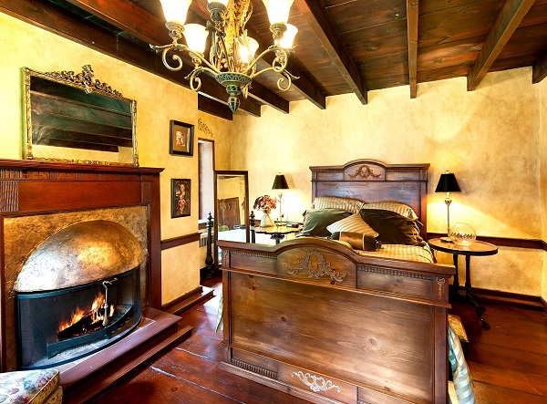 Old Stone Bedroom | #OldStoneRoom | Bucks County Getaway | #BucksCountyGetaway | Thornwood Bucks County | #ThornwoodBucksCounty