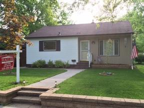 Single Family Home Sold: 432 NE Riverside Drive