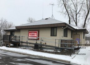 Sauk Rapids MN Commercial For Rent: $1,200 Per Month