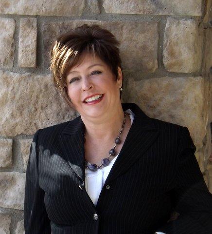 Lesli Fritts, Broker, Realtor, Douglas County Specialist