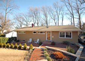Single Family Home Sold: 20 Undercliff Ter S