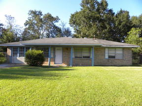 Single Family Home For Rent: 142 Ben Dr.