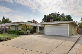 Single Family Home Sold: 1322 Sheffield Way