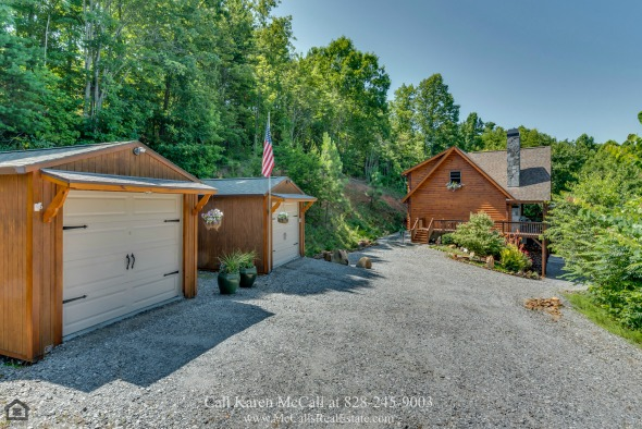 Real Estate Properties for Sale in Saratoga Drive Bostic NC - Space, unlimited viewing rights of picturesque mountain views and stunning sunsets are yours to enjoy in this Saratoga Drive home for sale.