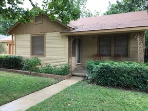 Columbus TX Single Family Home Sale Pending: $134,999
