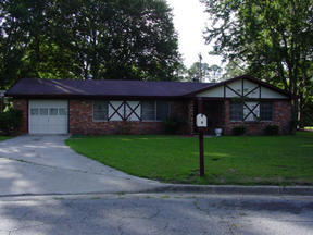 Residential Closed: 3 Rockingham Ct.