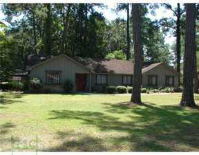 Residential Closed: 817 Dyches Drive