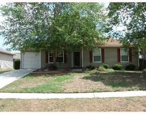 Residential Closed: 132 LAUREL GREEN CT