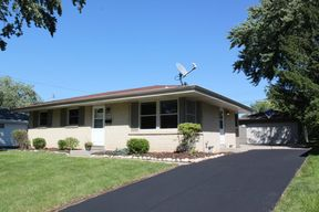 Menomonee Falls WI Single Family Home Sold: $184,900